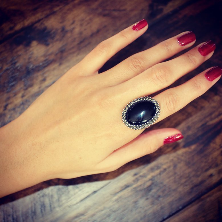 Space hole stering silver ring with big onyx semi precious stone and marcasite