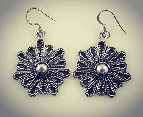 Helianthus flower plain sterling silver earrings