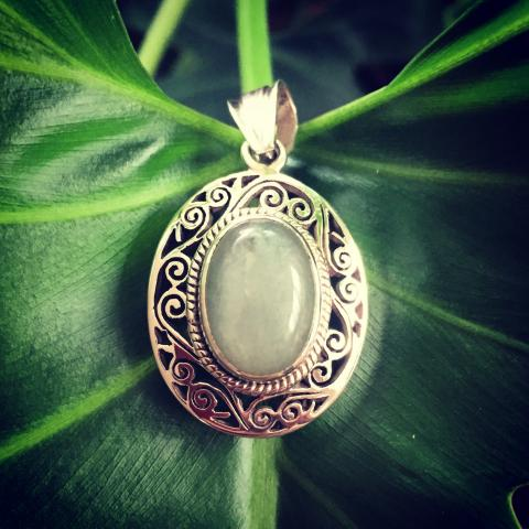 Chalcedony 925 Sterling Silver pendant